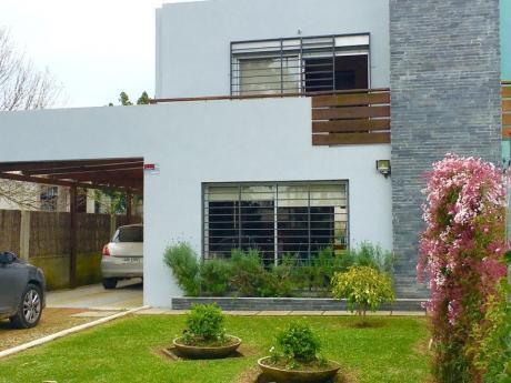 Hermosa Casa En Dos Plantas !!