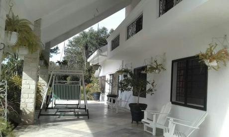 Vendo Casa Tipo MansiÓn De 1640 M2. En Villa ItÚ!!