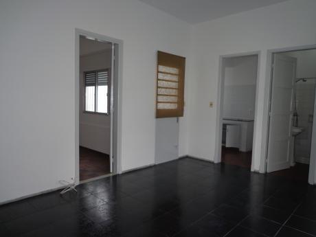 Oficina Sosa - Apto. En El Prado, 2 Dorm. Y Patio, Buen Estado
