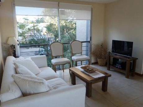 Apartamento En Barra De Carrasco!!