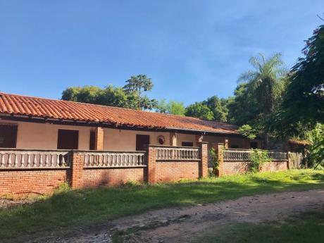 Financio Casa Quinta Colonial En Aregua