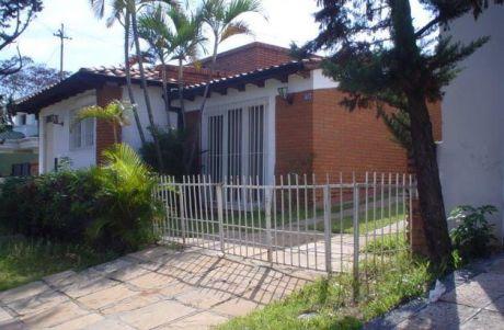 Vendo Casa Zona Av. Feliz Boga, Detras Del Stock.