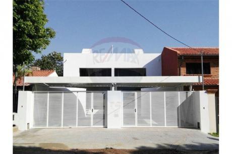 Vendo Hermoso Duplex En Itá Enramada A Cuadras De La Av. Peron