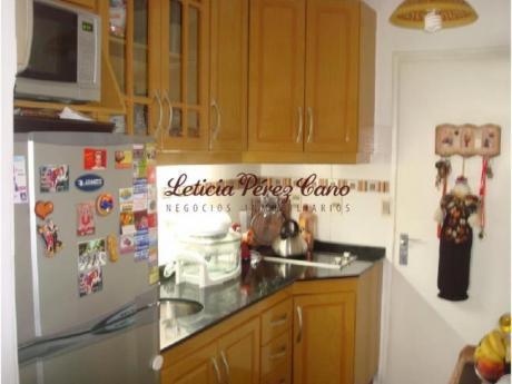 Apartamentos En Playa Mansa: Lpc12919a