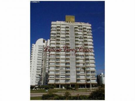 Apartamentos En Playa Brava: Lpc13966a