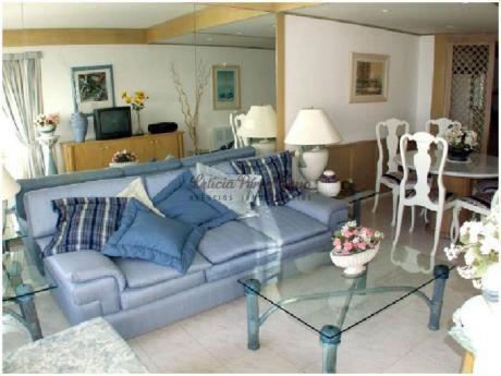 Apartamentos En Playa Mansa: Lpc14196a