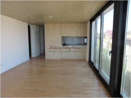 Apartamentos En Playa Mansa: Lpc14273a