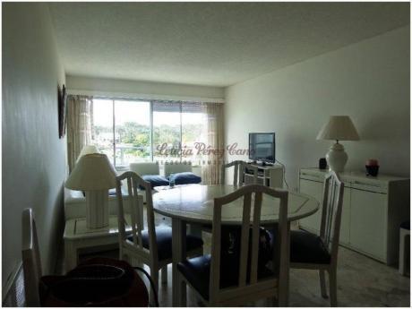 Apartamentos En Playa Mansa: Lpc14287a