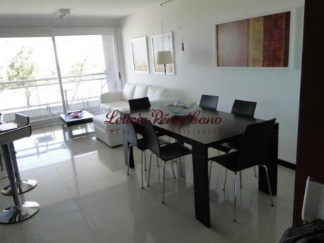 Apartamentos En Playa Mansa: Lpc17722a