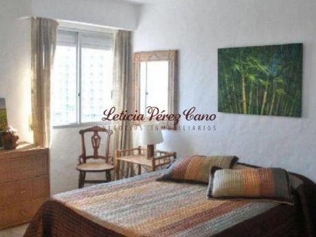 Apartamentos En Playa Mansa: Lpc17802a