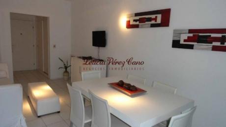 Apartamentos En Playa Mansa: Lpc17804a