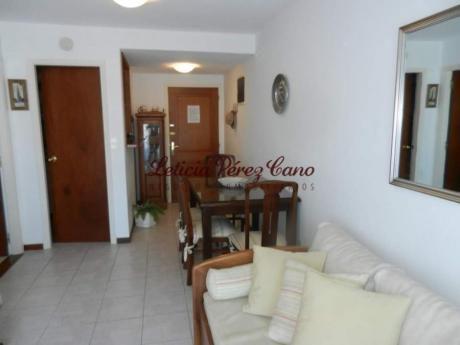 Apartamentos En Playa Mansa: Lpc18009a