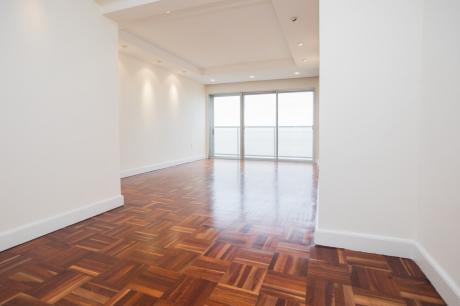 Apartamento 2 Dormitorios, 2 Baños, Garaje. Rambla Punta Carretas