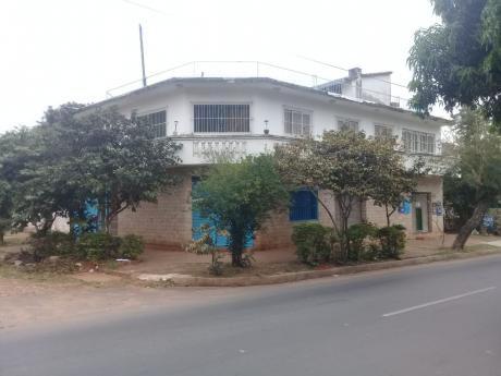 Casa De Dos Pisos En Fernando De La Mora