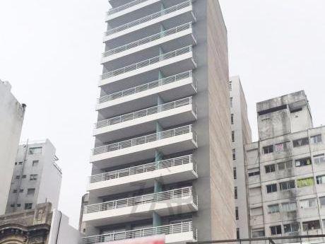 Edificio 18 Montevideo A Estrenar! Gran Metraje, Gge Y Bajos G.C!