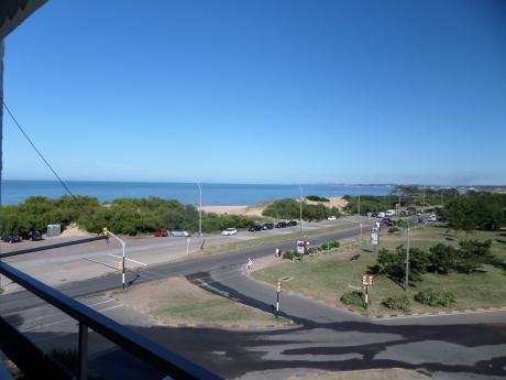Apartamento En Punta Del Este Frenete Al Mar