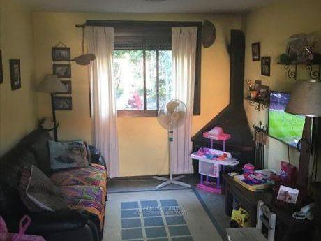 Casa 2 Dormitorios  En Complejo Con Seguridad