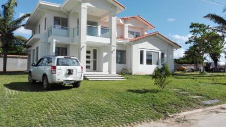 Hermosa Casa En Urubo Golf