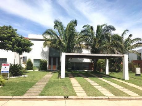 Hermosa Casa En Venta O Alquiler En Condominio Costa Los Batos Urubo