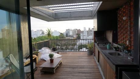 Divino Penthouse Duplex De Diseño, En Calle Tranquila De Punta Carretas.