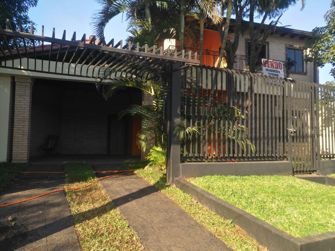 VENDO V-103 Hermosa Casa a Estrenar en Luque - Barrio America