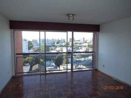 Alquiler De Apartamento 3 Dormitorios  En Parque Batlle, Montevideo