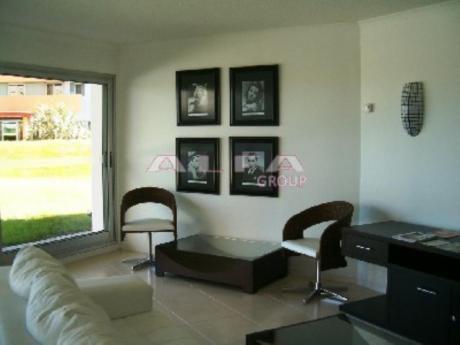 Apartamentos En Playa Brava: Alf194a