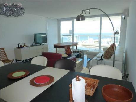 Apartamentos En Playa Mansa: Alf325a