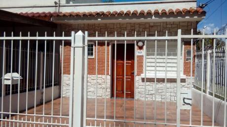Casa  En Propiedad Horizontal En Buen Estado, Zona Colón.