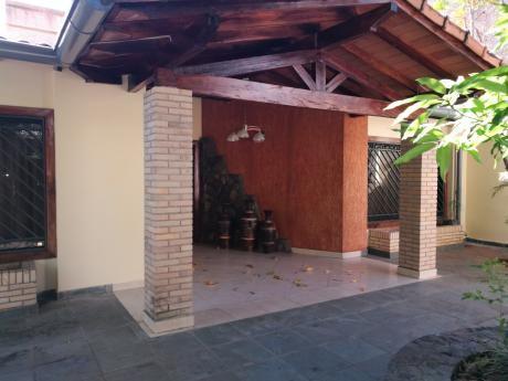 Alquilo Amplia Casa En Bo.jara ( A Mts De Av.brasilia Y España)