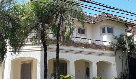 Lujosa Y Hermosa Casa De Dos Planta En Venta