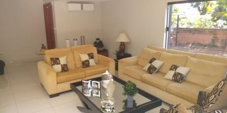 Alquilo Casa De 4 Dormitorios Con Cancha De Tenis En Asuncion Zona Gral Santos