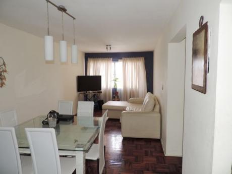 Apartamento Al Frente, Piso Alto Con Vista Y Sol !!