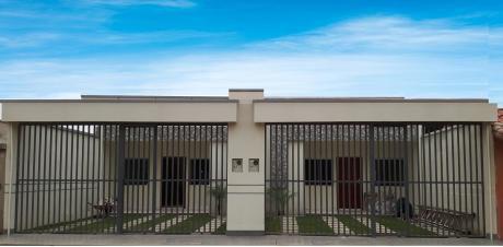 Hermosas Casas Gemelas A Estrenar En La Zona Sur De Santa Cruz.