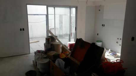 Apartamento Duplex, 2 Dormitorios, 1 Baño, Patio, Prado