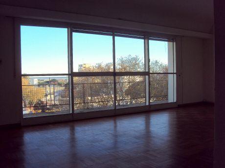 Vista Despejada - 3 Dormitorios, 2 Baños Garage Y Box - Pocitos