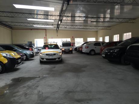 Inversión !!! Venta De Estacionamiento En Ciudad Vieja