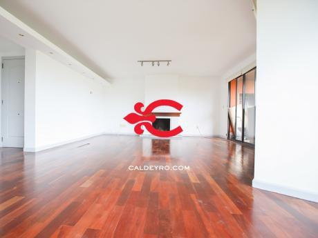 Apartamento En Carrasco. Ref: 6277