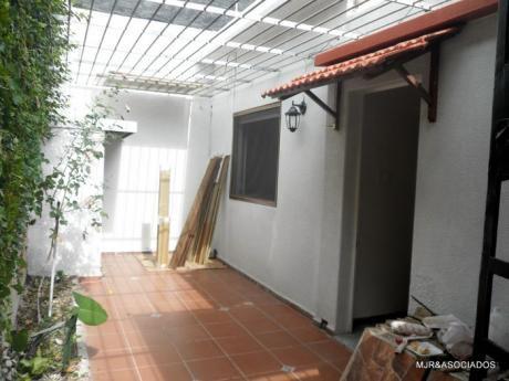 Reservado: Apartamento Tipo Casa Con Patio, Parrillero S/gastos Comunes