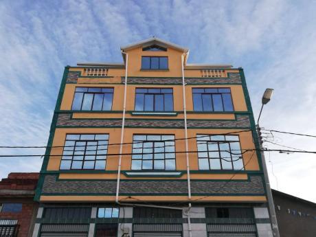 Casa Comercial En Villa Adela