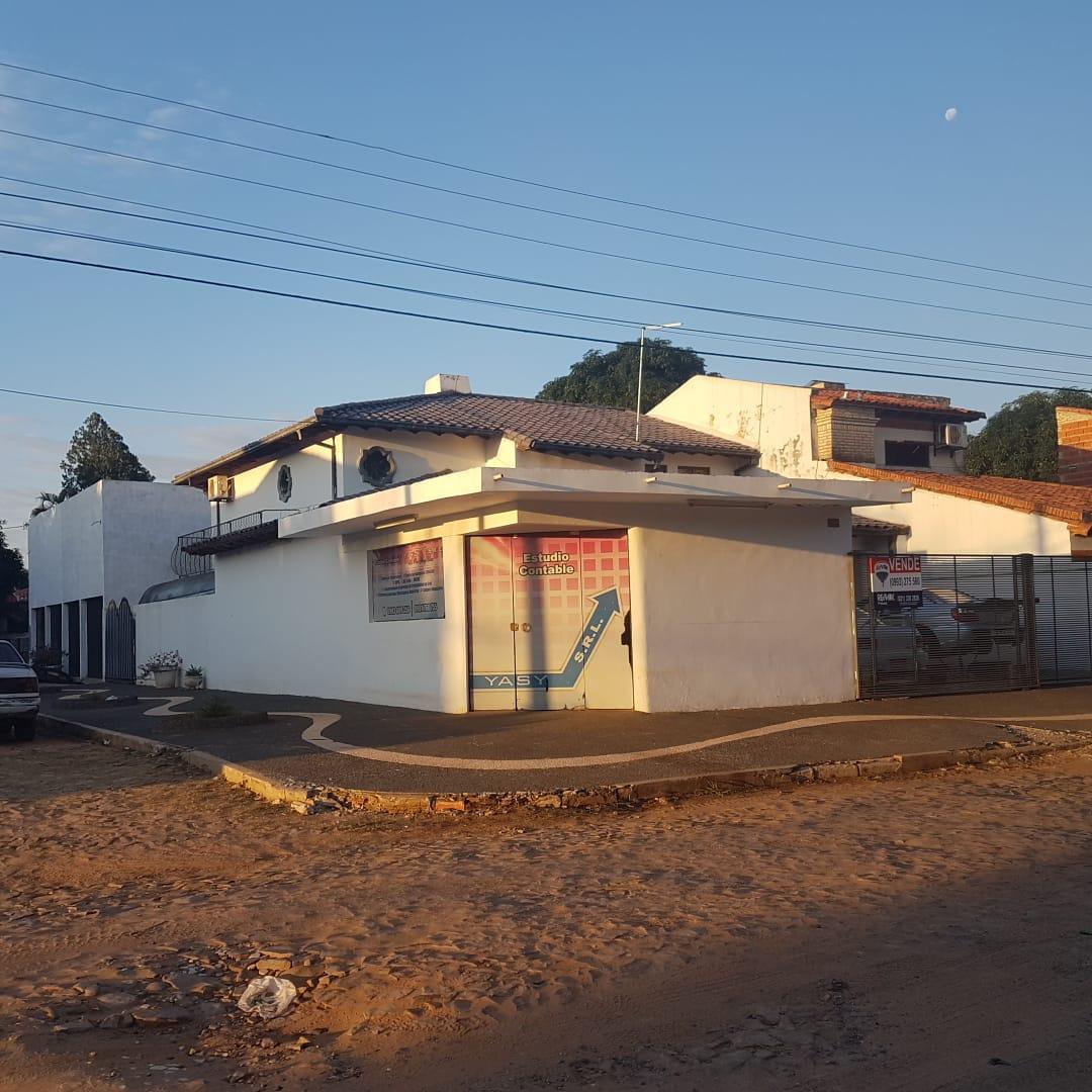 En Venta Casa Y Oficina En Mariano Detrás De Super Pueblo