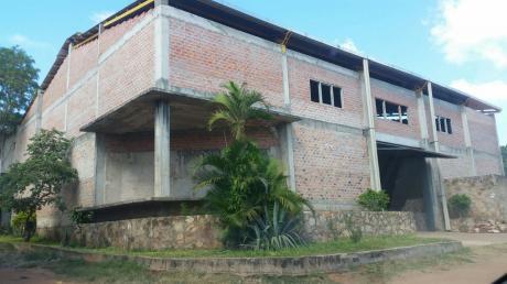 Alquilo Galpon En Zona De Mariano Roque Alonso