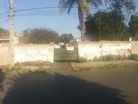 Terreno En Barrio Residencial