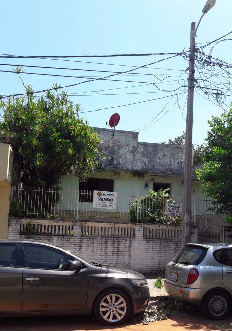 Vendo Chalet Zona Cooperativa Universitaria Colon