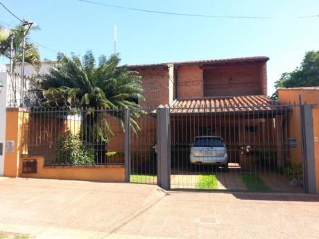 Oferto Casa En Barrio Herrera Usd. 280.000 - Sup. 432