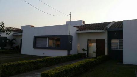 Casa En Alquiler En Condominio