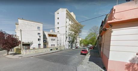 Muy Buen Apartamento En Aguada.