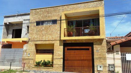 Vivienda En El Barrio Jardin Latino