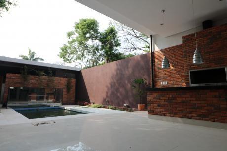 Vendo Casa Zona Colegio Las Almenas