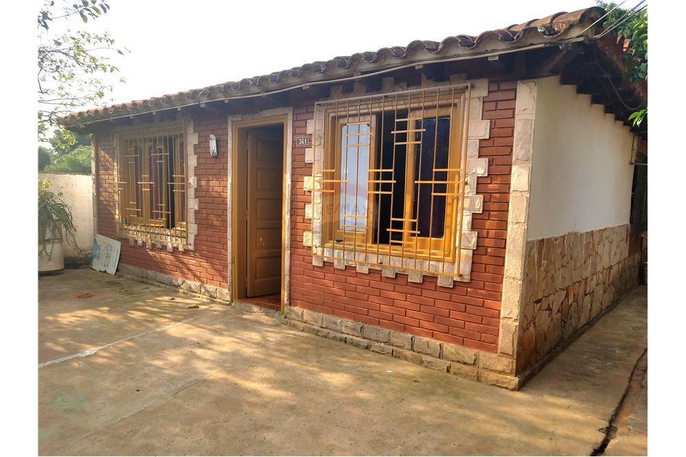 Vendo Casa En Laurelty Luque Zona Fabrica Taiga.